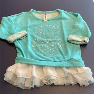 Girl's Knitworks sweatshirt, Size S